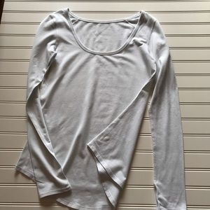Lululemon White pullover sweater Sz 6
